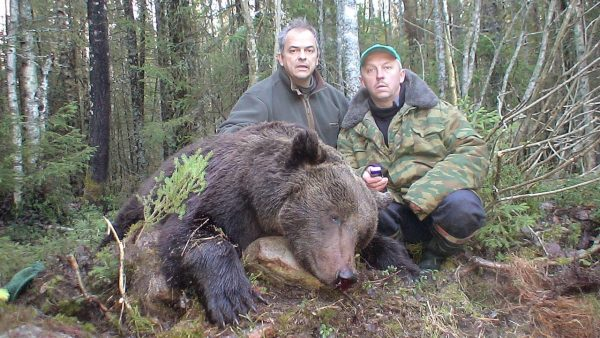brown-bear-hunt-russia (1)